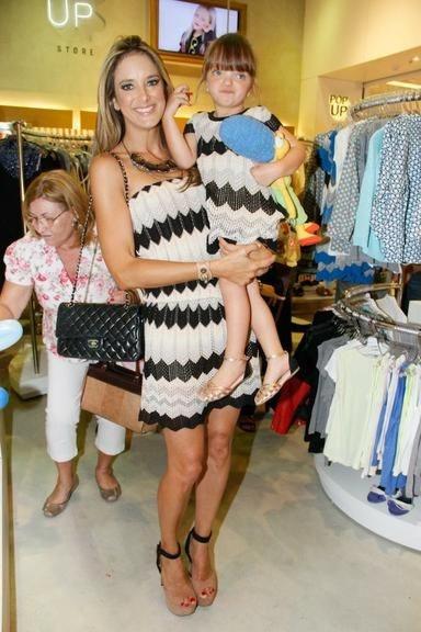 Ticiane Pinheiro e sua filha Rafaella Justus - Tal Mãe Tal filha - Vestidos Infantis