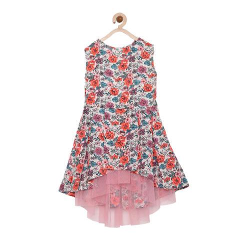 Vestido infantil com formato evasê