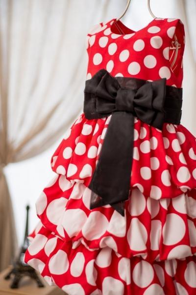 Vestido infantil de poá vermelho